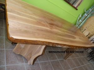 TABLE.-CERISIER