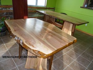 TABLE CERISIER
